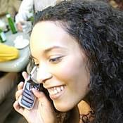 2965womanonphone