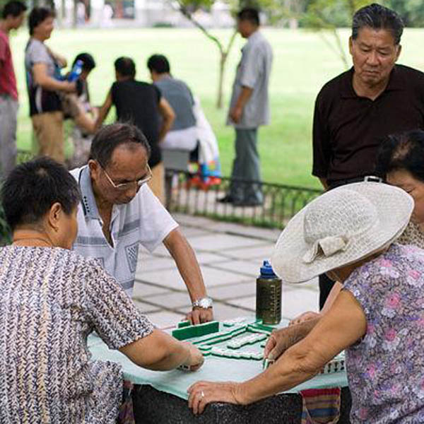 mahjong-being-played-on-a-street-in-china