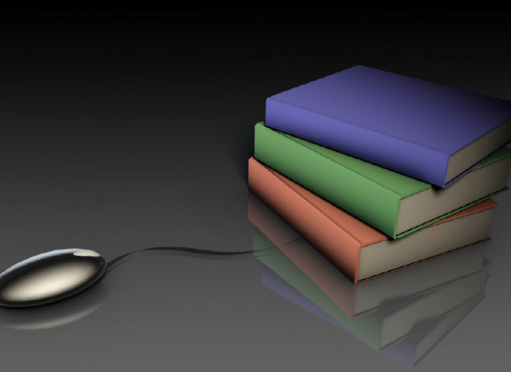 mouse-and-books-800