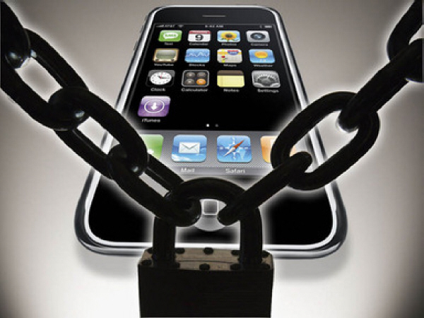 Apple bans hacker who reveals App Store exploit code