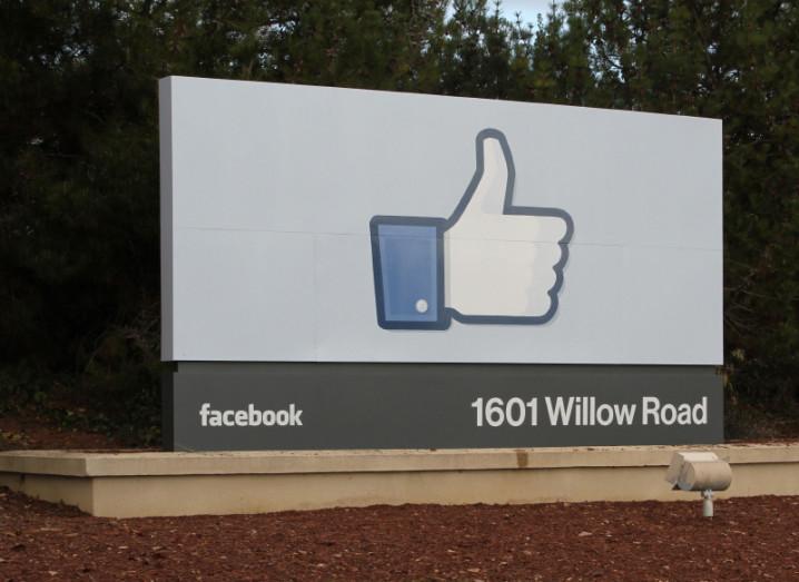 facebook-outdoor-sign