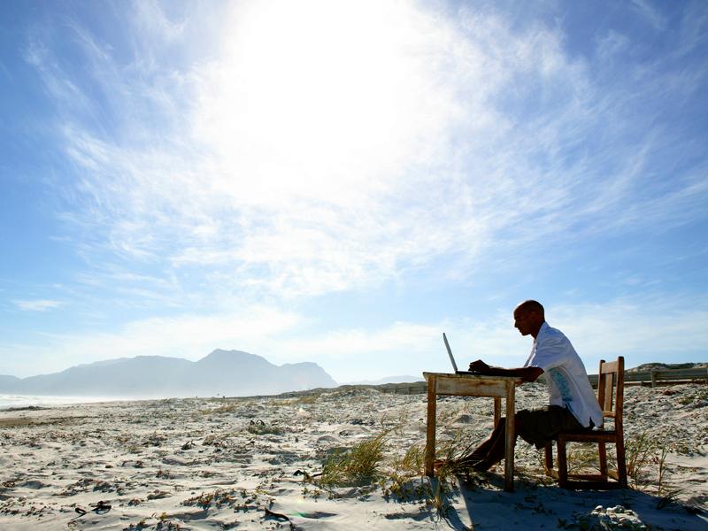 man-cloud-computing