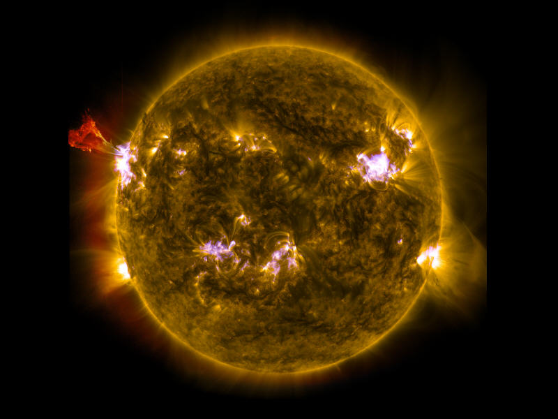 Sun lashes out solar flare in NASA image - Innovation | siliconrepublic.com - Ireland's Technology News Service