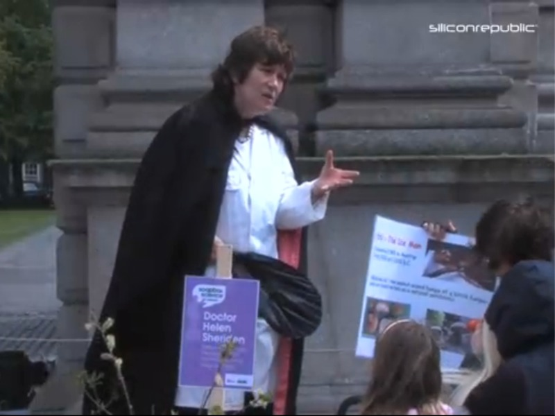 Pharmacist Dr Helen Sheridan at Soapbox Science in Dublin (video)