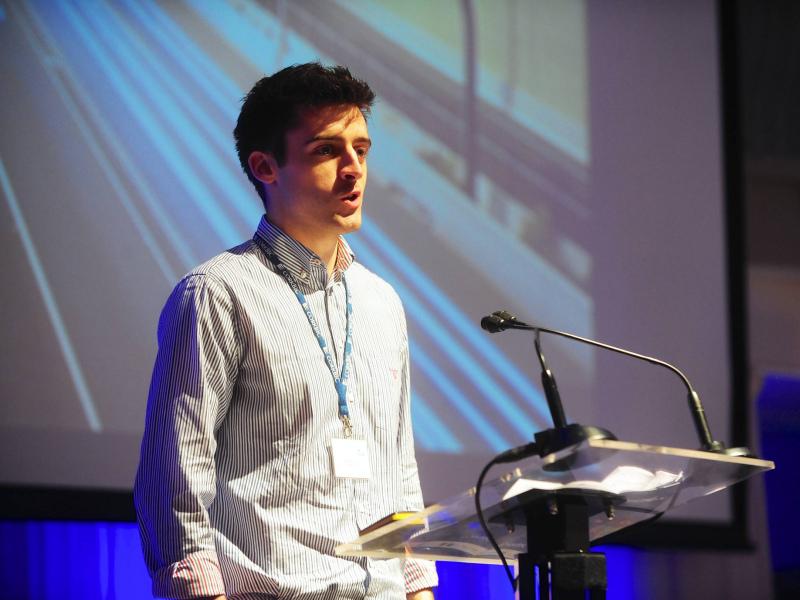 Soundwave joins messenger revolution, hooks up with Apple and Google
