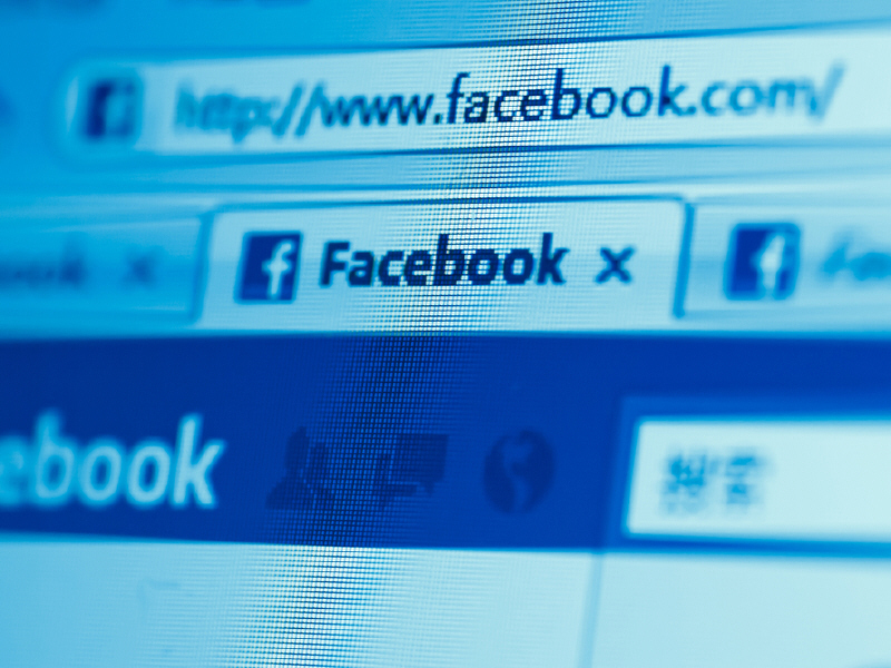 Woman sues Facebook 10 cents for each user over Photoshopped images