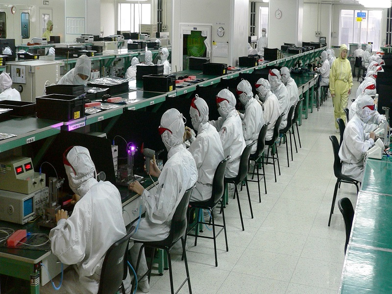 Apple bans two chemicals from iPhone 6 production