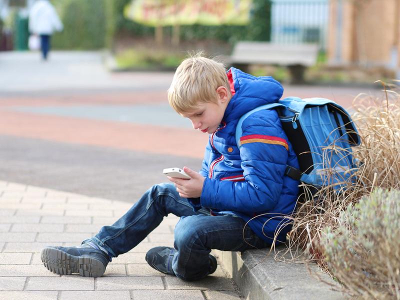 Smartphone is No 1 'back to school' gadget in UK – survey