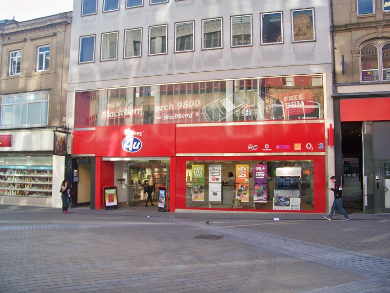 Phones 4u enters administration threatening almost 6,000 jobs