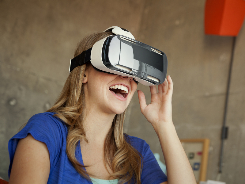 Samsung pairs Galaxy Note 4 with Oculus VR in its virtual-reality headset