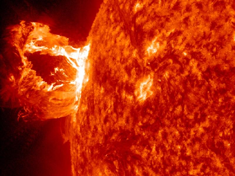 Massive solar flare heading towards Earth – don't panic