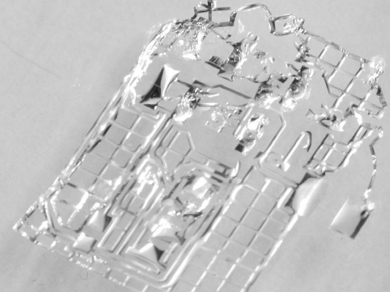 Researchers create world's first dissolvable microchip