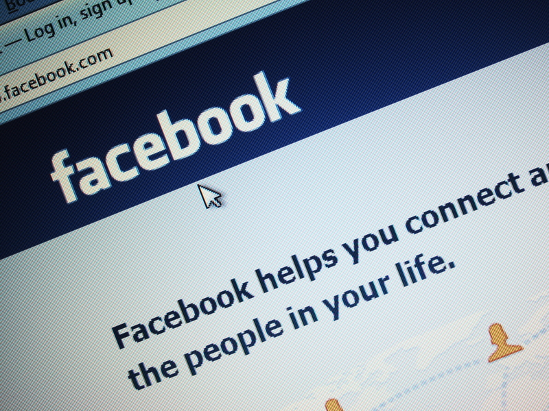 Facebook reprimands US drug agency for impersonating woman