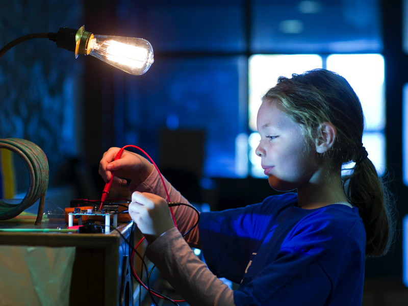 'Galileo Girls' event lights up with creativity at DCU