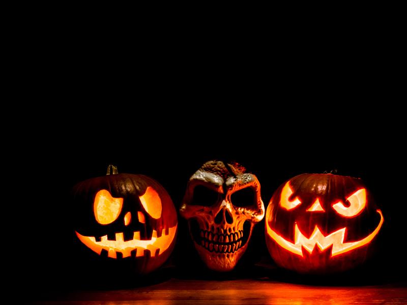Gigglebit: 11 terrible tech-inspired Halloween costumes