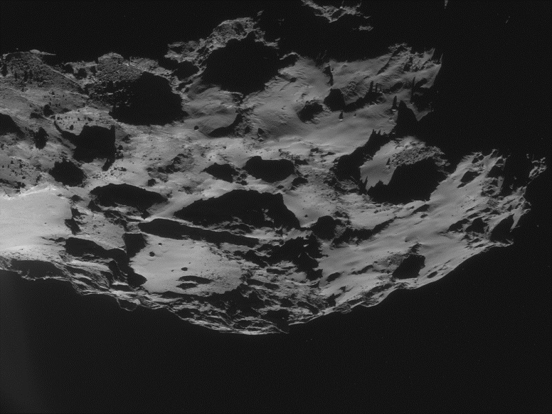 New Rosetta comet close-up shows 19,000km ice tail