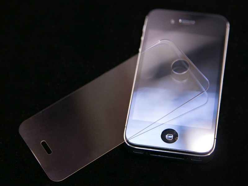 Apple's sapphire crystal screen supplier files for bankruptcy
