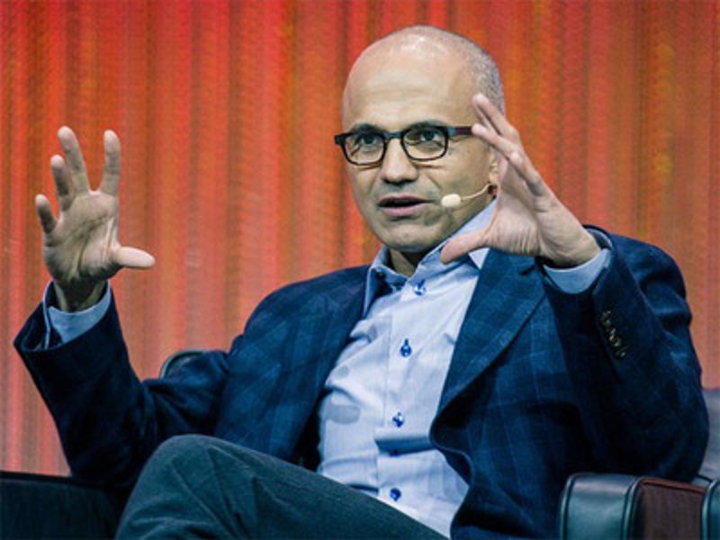 The tech business week: Microsoft CEO sorry for remarks, HP and Symantec plan spin-offs