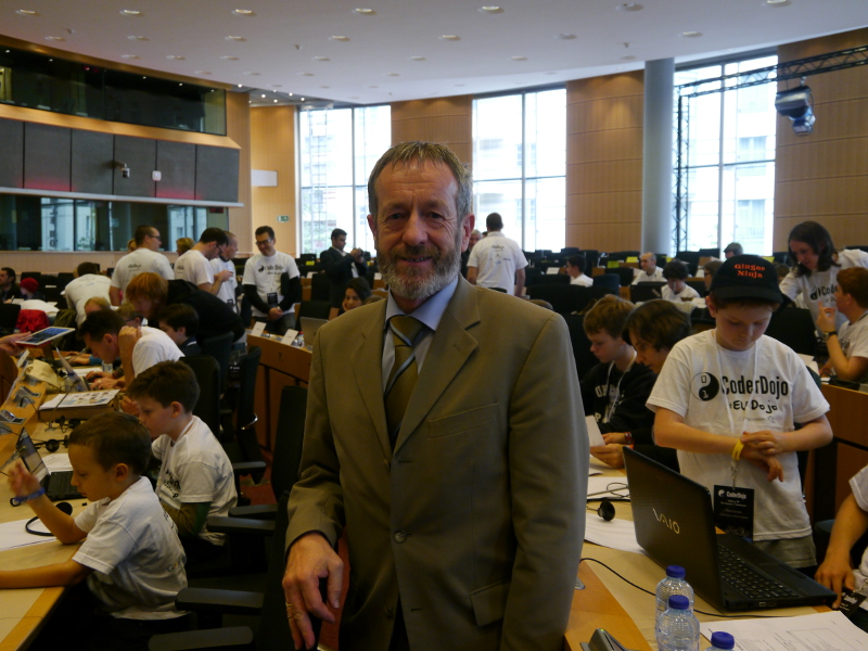 MEP calls on Europe to fund coding classes to plug 900k ICT job vacancies