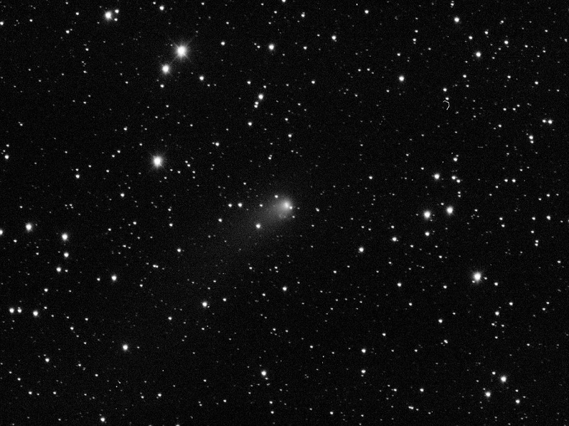 Siding Spring comet misses Mars but near misses with Earth still possible