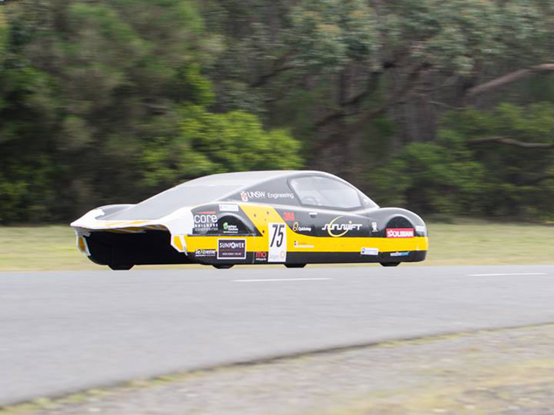 Students in Australia break electric vehicle world speed record