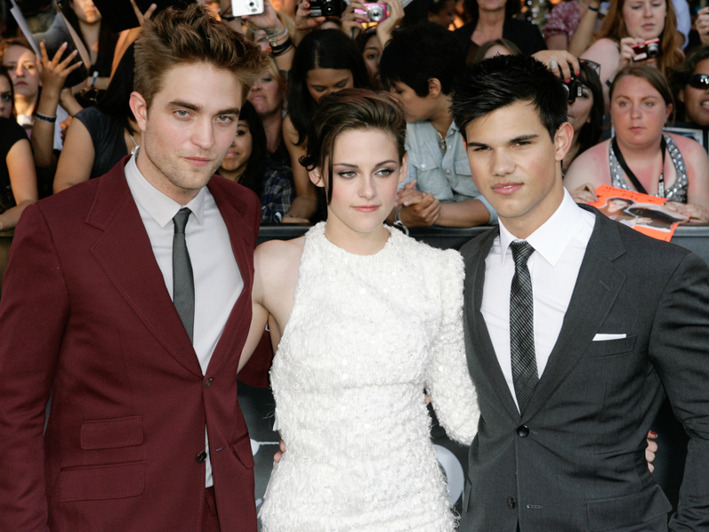 Five 'Twilight' shorts to be screened exclusively through Facebook