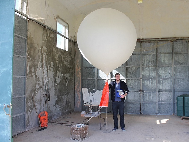 UCC student films stratosphere using weather balloon (video)