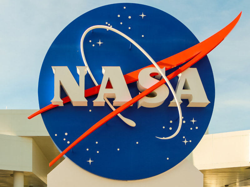 Google subsidiary signs lease with NASA for historic Hangar One