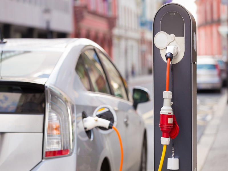 Study claims electric cars more harmful to environment than petrol cars