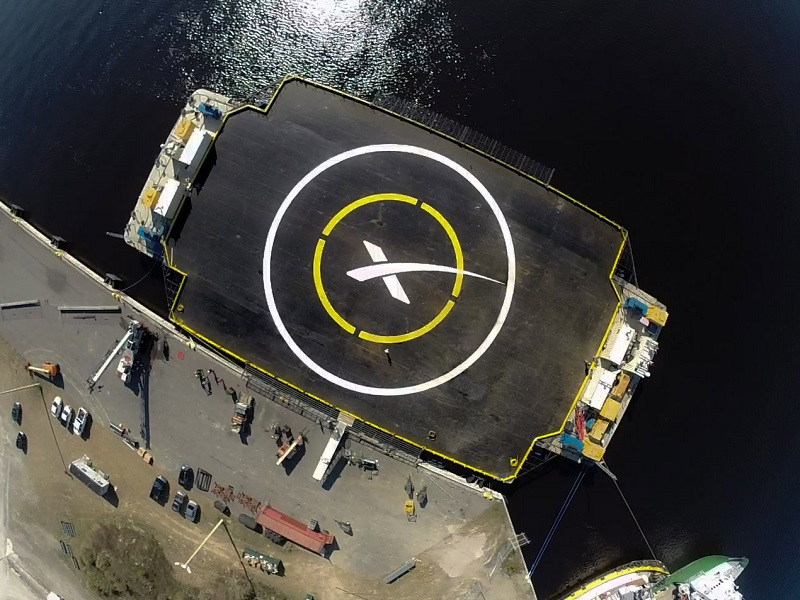 SpaceX to attempt to land Falcon 9 craft on floating barge