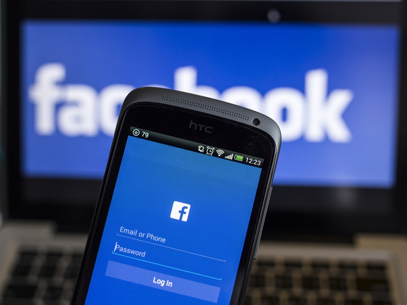 Facebook to clamp down on false or misleading posts in news feed