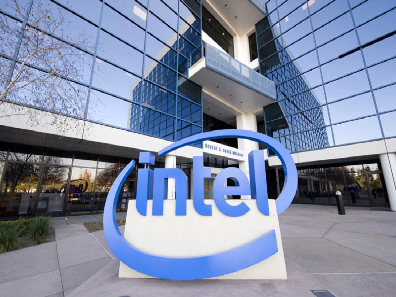 Intel posts record revenues, but mobile division sheds money