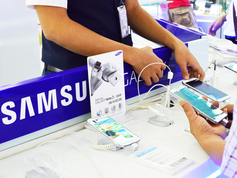 Samsung pummelled in Q4 by Apple's iPhone, profits fall 27pc