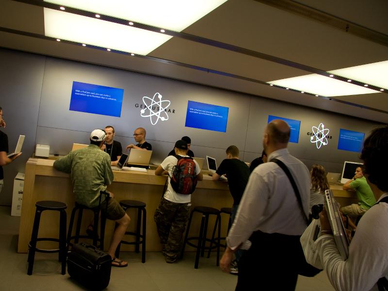 Apple making clever tweaks to its Genius Bar