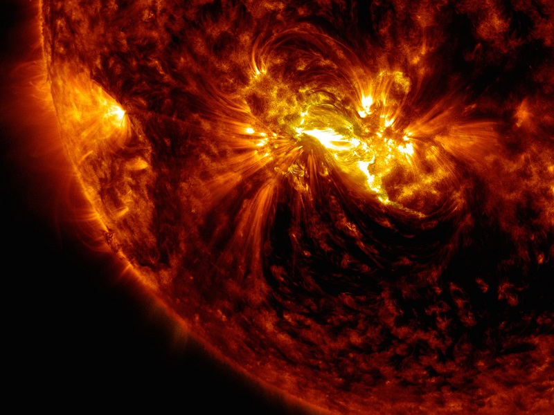 Solar flare blasted Earth with 'killer electrons' in 2013