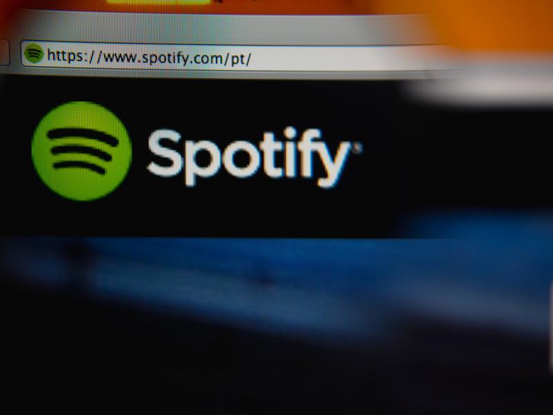 Spotify adds lyrics to its desktop player