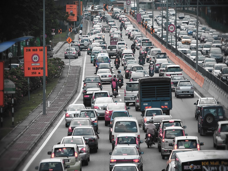 US looking to end traffic jams with robot cars and big data by 2045