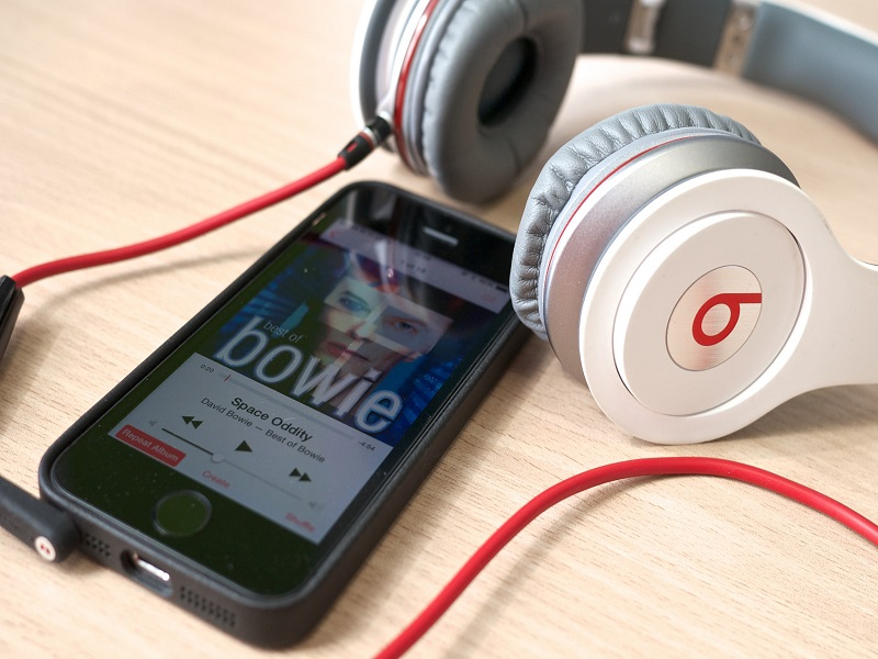 Apple working with Trent Reznor and Beats to develop music streaming service