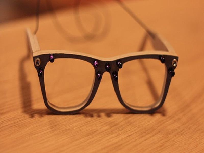 AVG develops not very effective privacy smartglasses