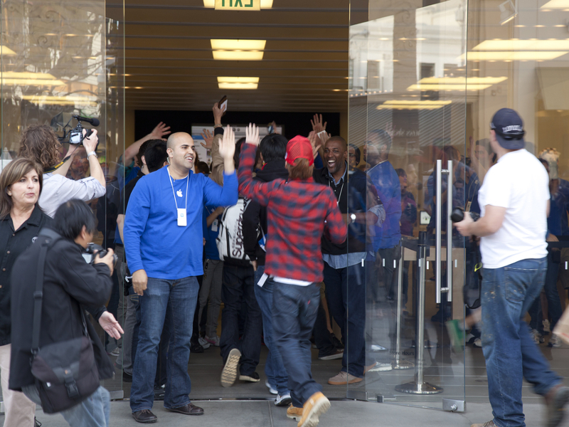 Queues may become a thing of the past at Apple Stores