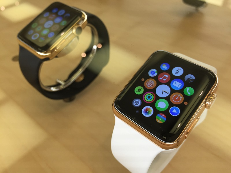 Almost 1m Americans have pre-ordered an Apple Watch, mostly the cheapest model