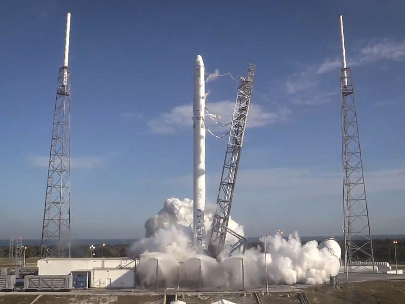 Space X launch delayed due to the striking of the anvil cloud