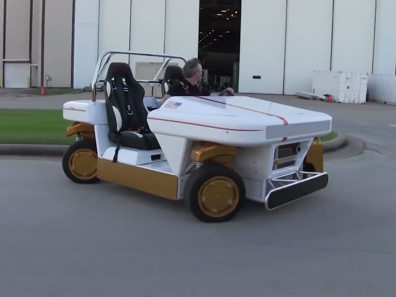 NASA shows off first model of driverless rover that can drift endlessly