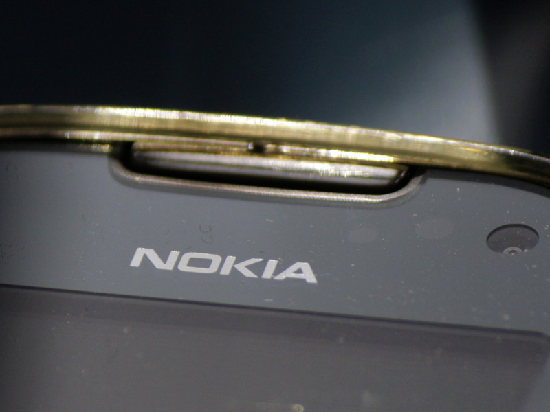Nokia plans to return to the consumer mobile market in 2016