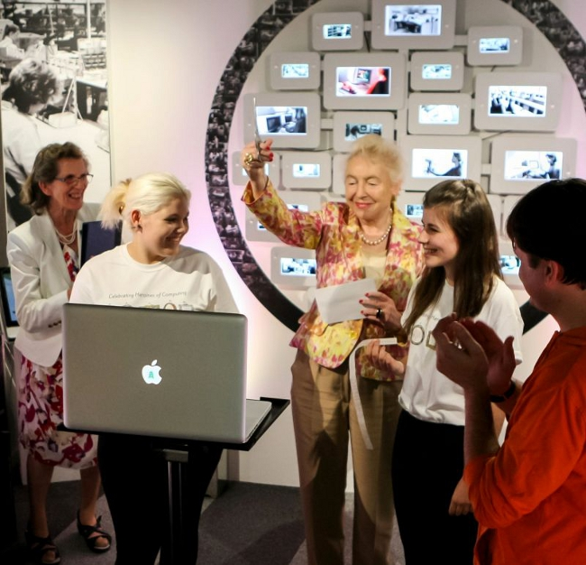 Dame Stephanie Shirley opens Women in Computing Gallery (photo by Robert Dowell)