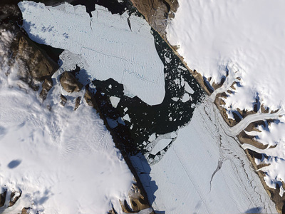 Satellite image of the ice island that calved off the glacier on 5 August 2010
