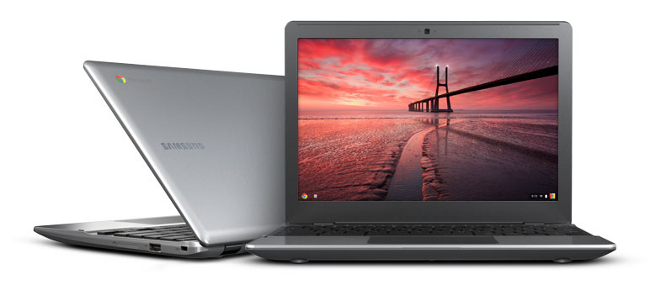 Samsung Series 5 550 Chromebook open