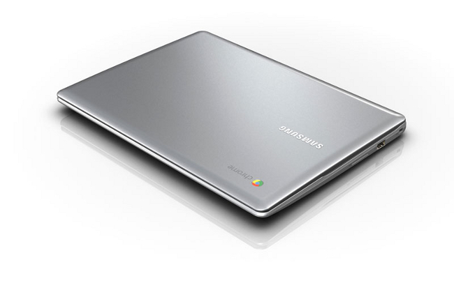 Samsung Series 5 550 Chromebook closed