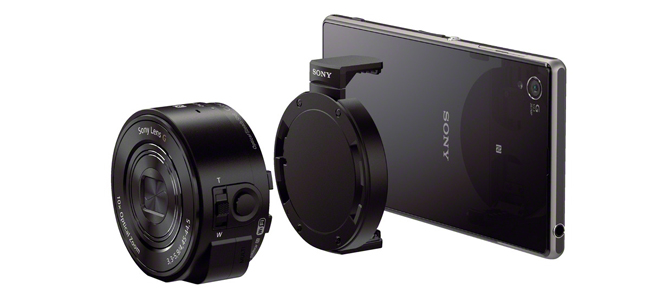 Sony Cyber-shot DSC-QX10 and mount (supplied) with the Xperia Z1