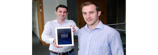 Eoin O'Carroll and Kevin Bambury pictured with the ONCOassist app